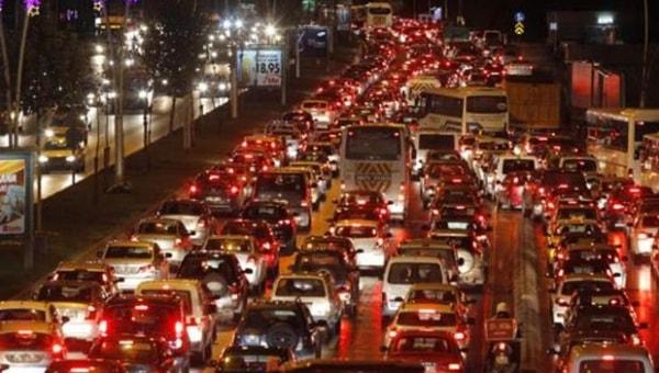 Yoğun Trafikte Araç Nasıl Kullanılır, Dur Kalk Nasıl Yapılır?